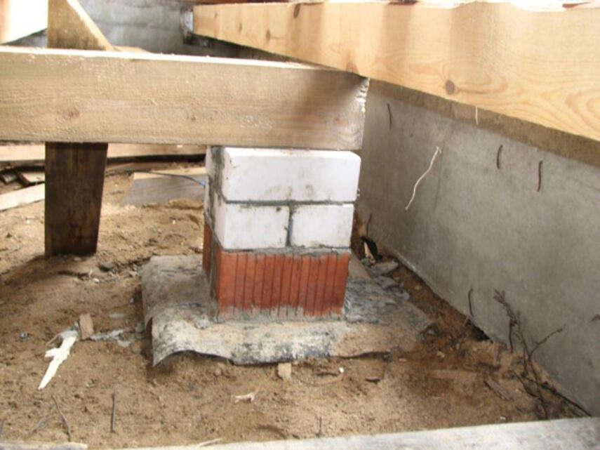 Столбики из кирпича под лаги - подготовка, как делают, инструкция, советы каменщиков