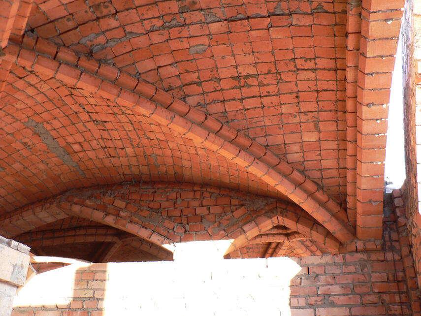 Потолок из кирпича - как сделать, варианты, укрепление, инструкция, советы каменщиков