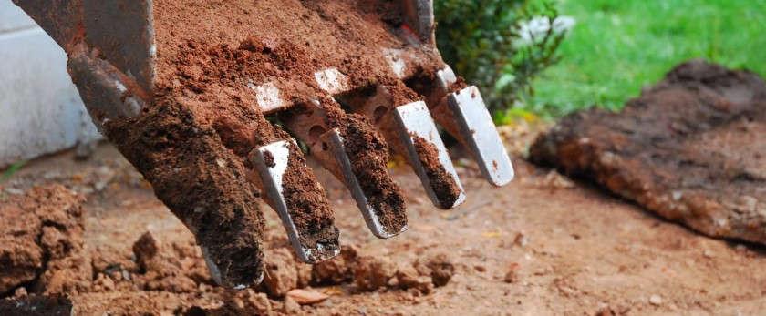 Какой фундамент на глине лучше для дома?