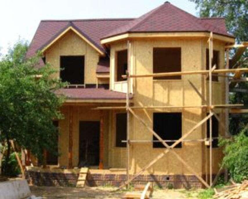 Материалы и крепление обшивки снаружи и изнутри домов каркасной конструкции