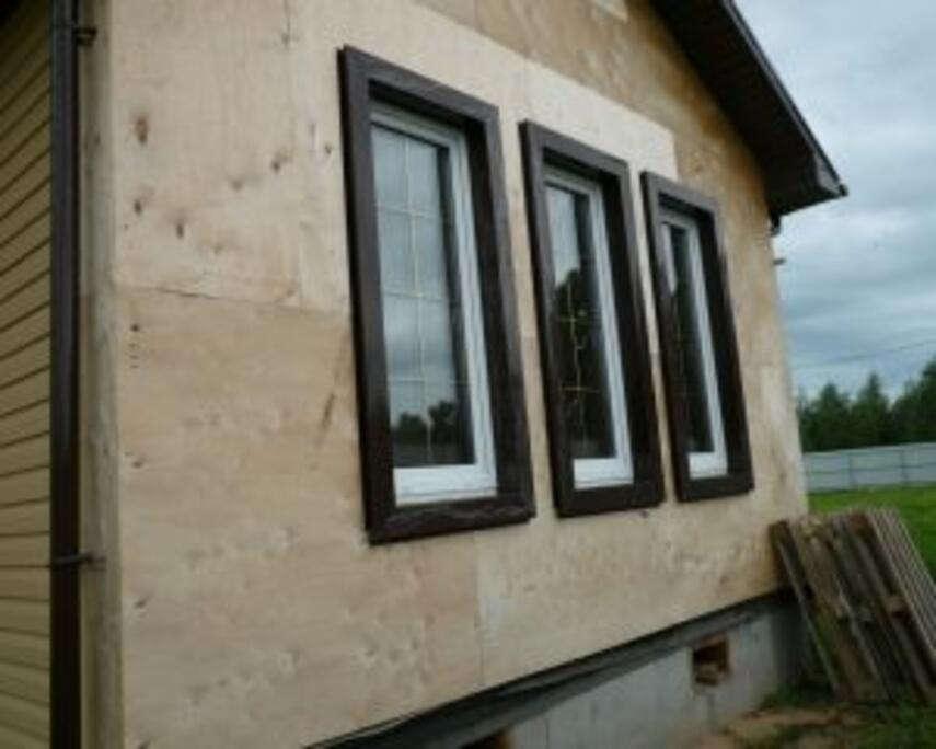 Обшивка каркасного дома своими руками: используемые материалы и технология.