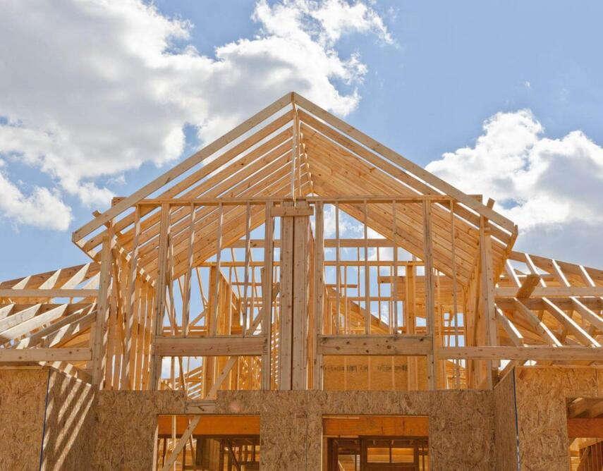 Крыша каркасного дома своими руками: особенности, правила и расчет конструкции