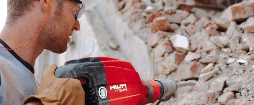 Демонтаж бетонного забора: как разобрать под снос