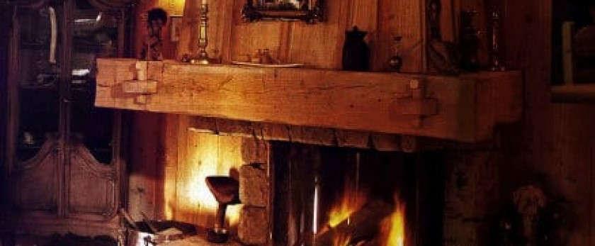 Устройство и установка камина в деревянном доме: безопасно и эффективно