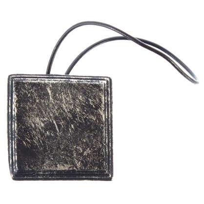 Купить Подхват магнитный Квадрат дерево цвет черный дешевле