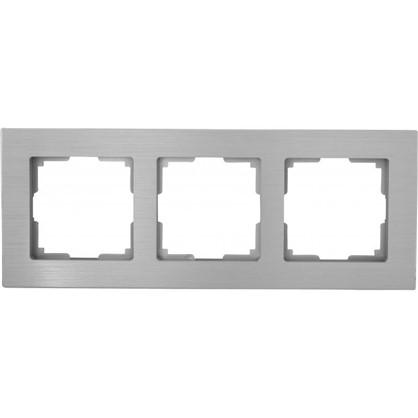 Рамка для розеток и выключателей Aluminium 3 поста цвет металлик