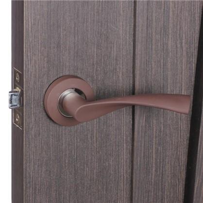 Ручка дверная на розетке Фабрика замков P 104 цвет коричневый матовый