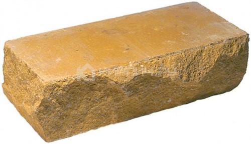 Кирпич брусок М-250 желтый рустированный угол
