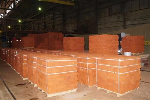 Кирпич строительный полнотелый с тех.пустотами одинарный М-150 рифленый Рузаевка