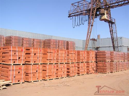 Кирпич строительный щелевой одинарный М-150 гладкий Римкер